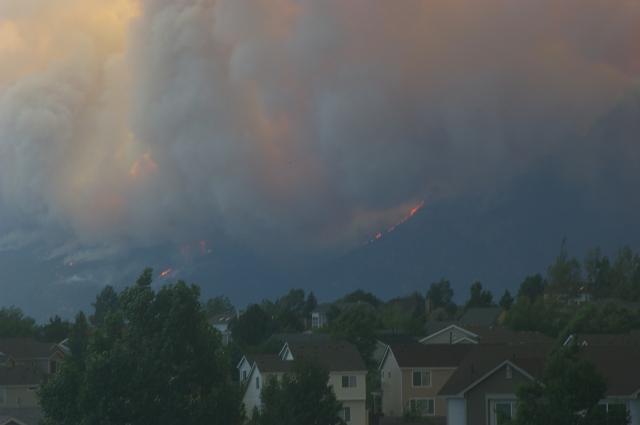 Waldo Canyon Fire Jumps the Ridge
