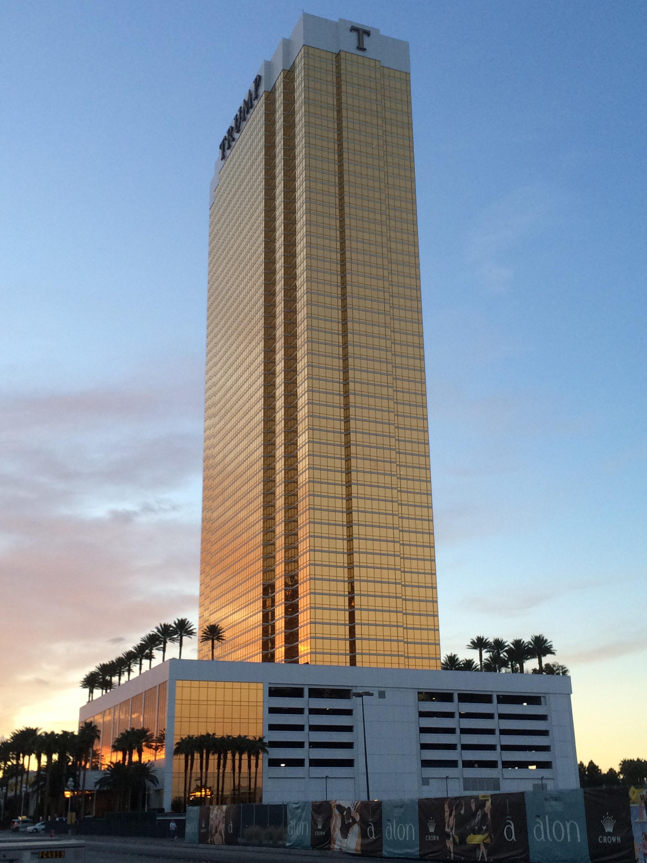 Sunset Tower Hotel Room