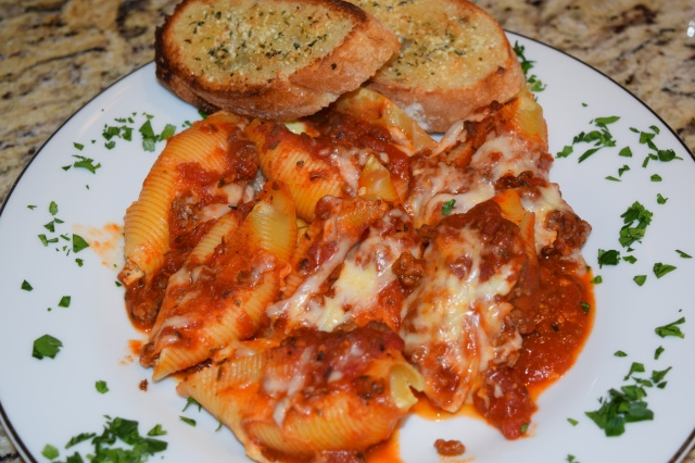 Stuffed Shells with Garlic Bread
