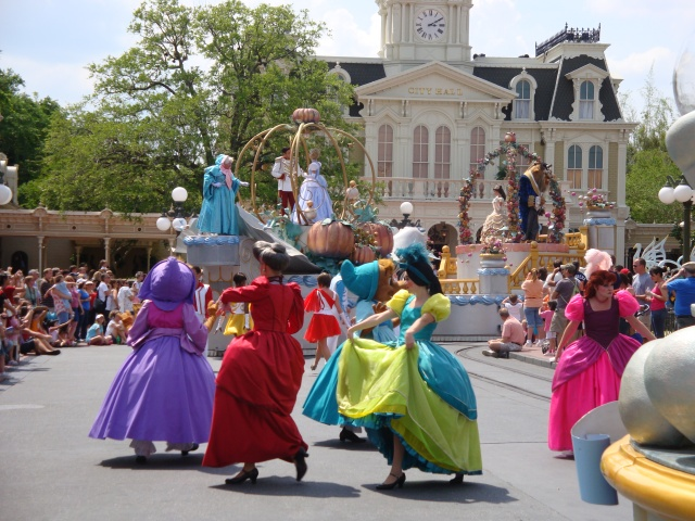 Dancers at Magic Kingdom