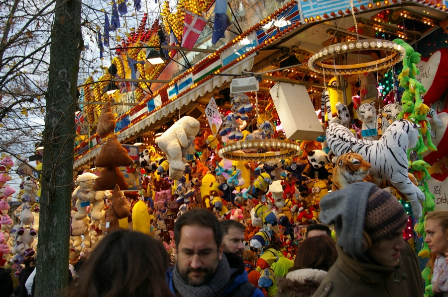 Crowds and Carnival Games